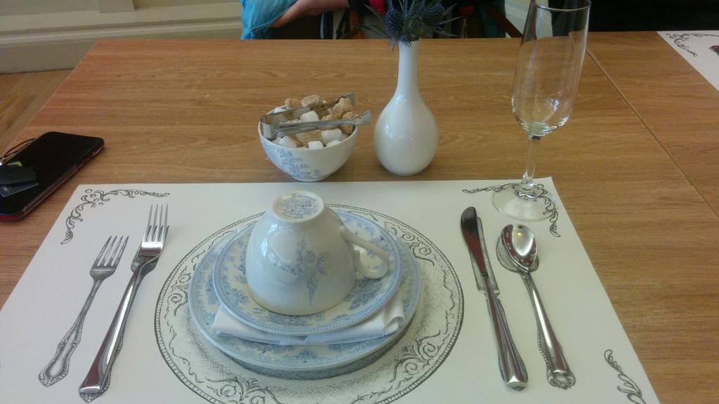 afternoon tea at holyrood